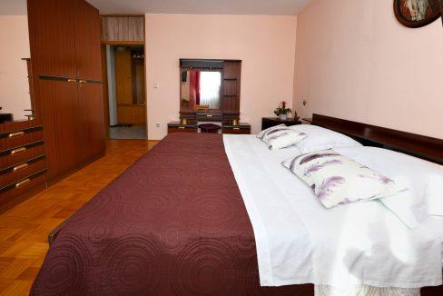 rooms m-009