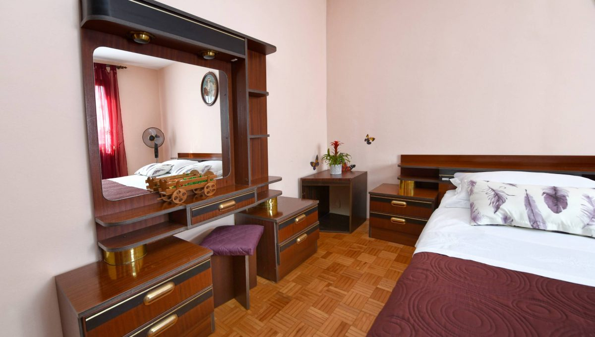 rooms m-010