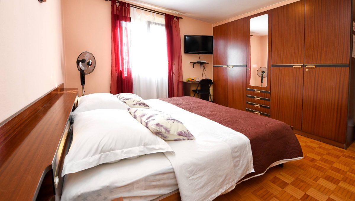 rooms m-011