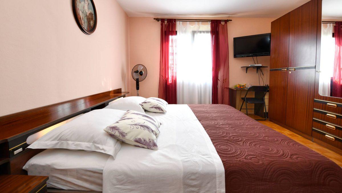rooms m-012