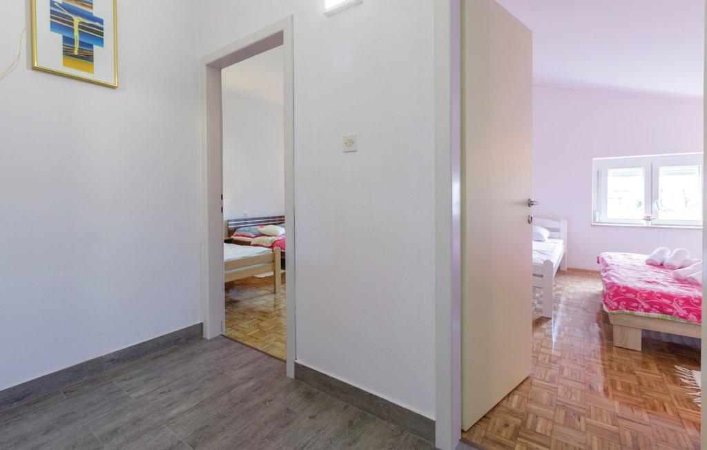 cie515_indoor_02